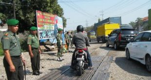 Perlintasan double track Jalan Jaksa Agung Lamongan