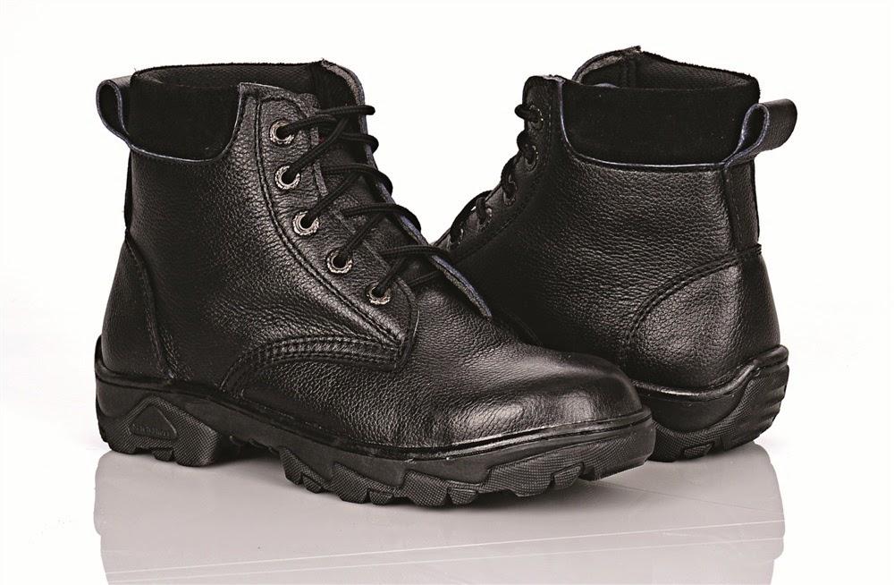 Pentingnya Menggunakan Sepatu Safety