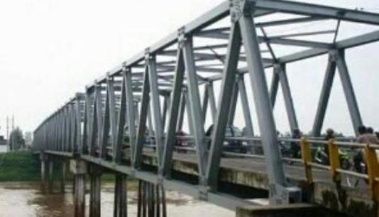 Warga Lamongan Cemaskan Pembongkaran Jembatan Ploso
